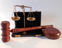 justice-scales-and-gavel